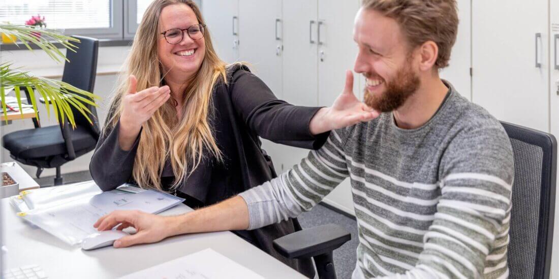 Mit den Händen kommunizieren – mit den Augen verstehen