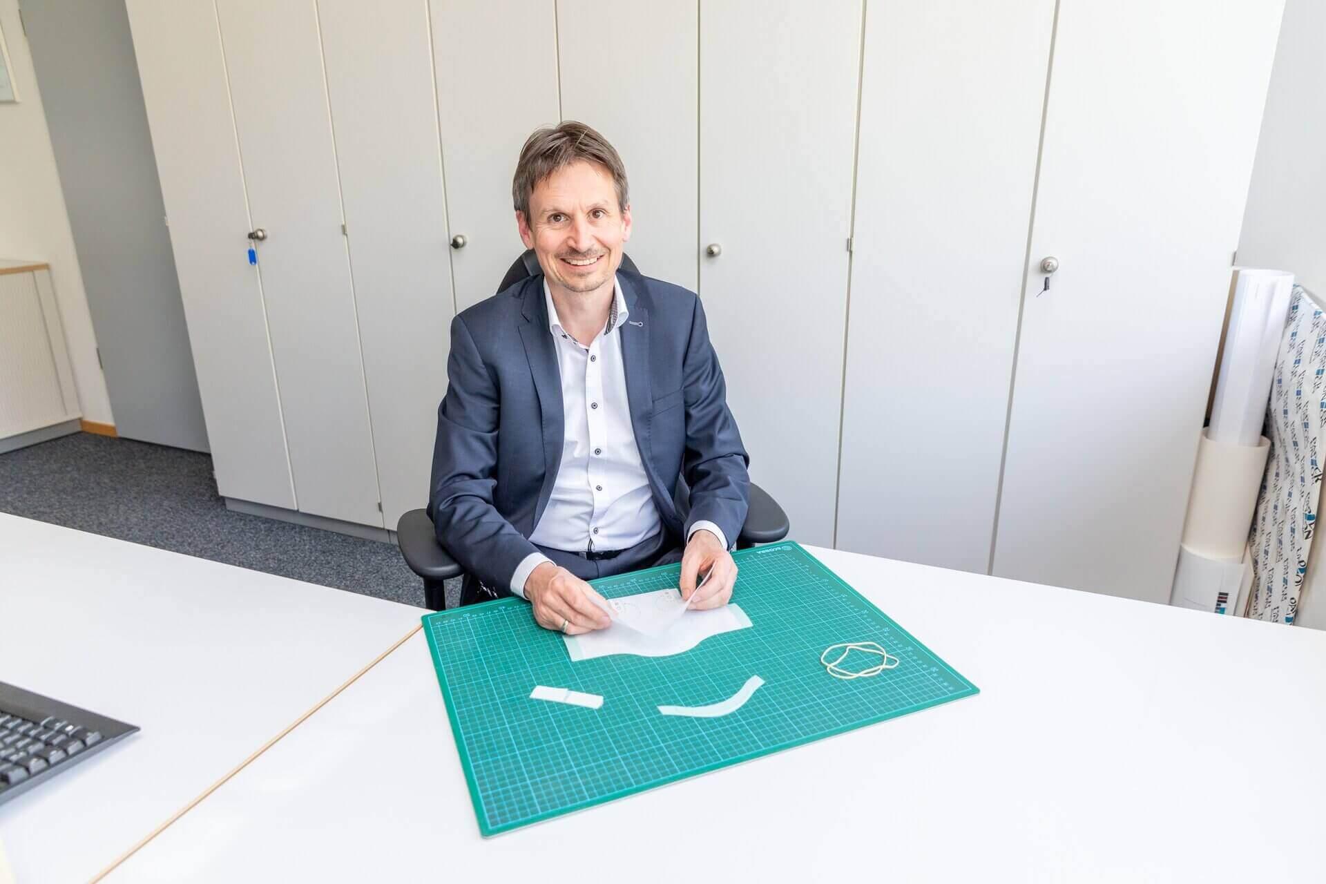 Ein Team unter Leitung von Dr. Jens Vor der Brüggen entwickelte die innovativen Masken.