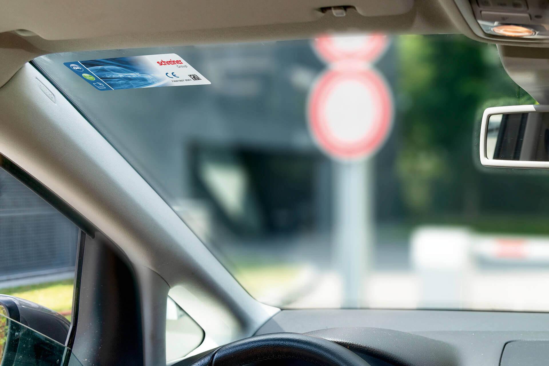 RFID-Label vernetzen Fahrzeuge mit der Infrastruktur und ermöglichen automatische Zufahrtskontrolle.